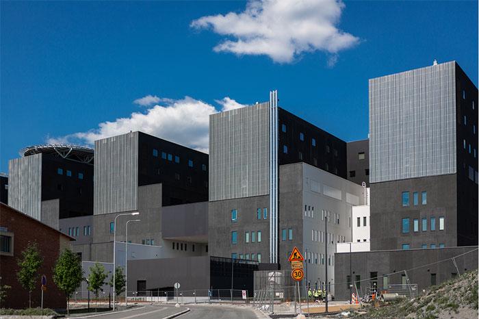 PRP räätälöi julkisivuverhoukset ja aulaverhoukset KSSHP:n Sairaala Novaan
